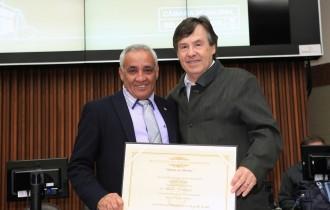 """Diploma de Honra ao Mérito"" da Câmara Municipal de Belo Horizonte."